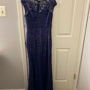 Lulus long Navy blue lace fitted dress- large